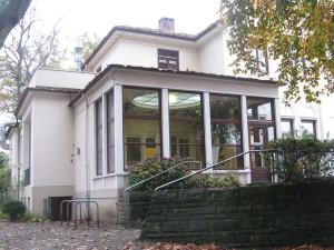 IBIS Villa hinten